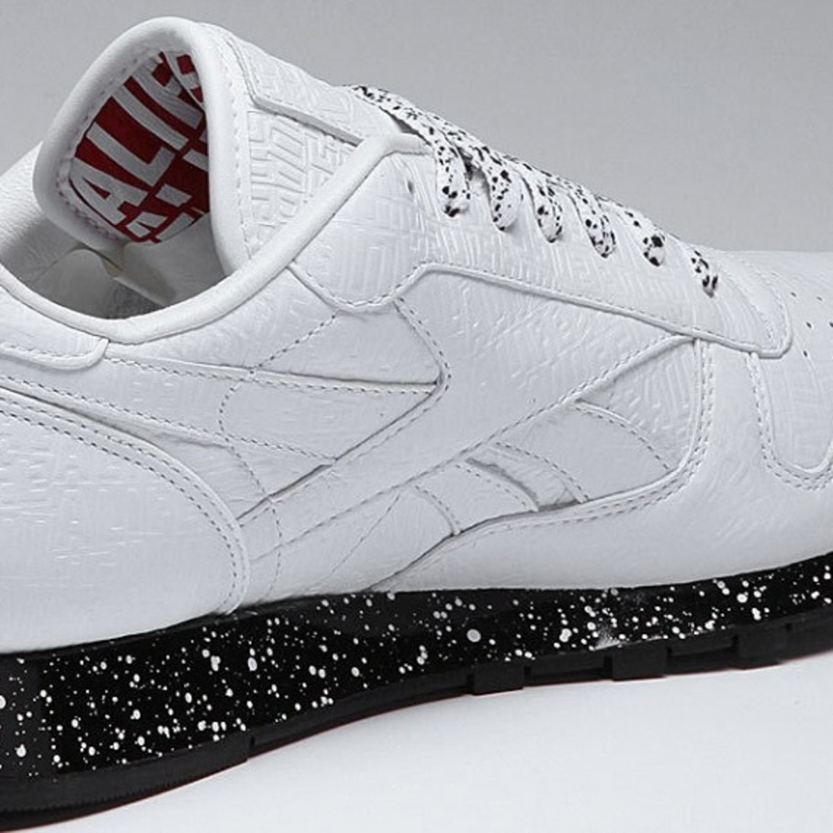 alife-reebok-classic-leather-lux-white-speck-05