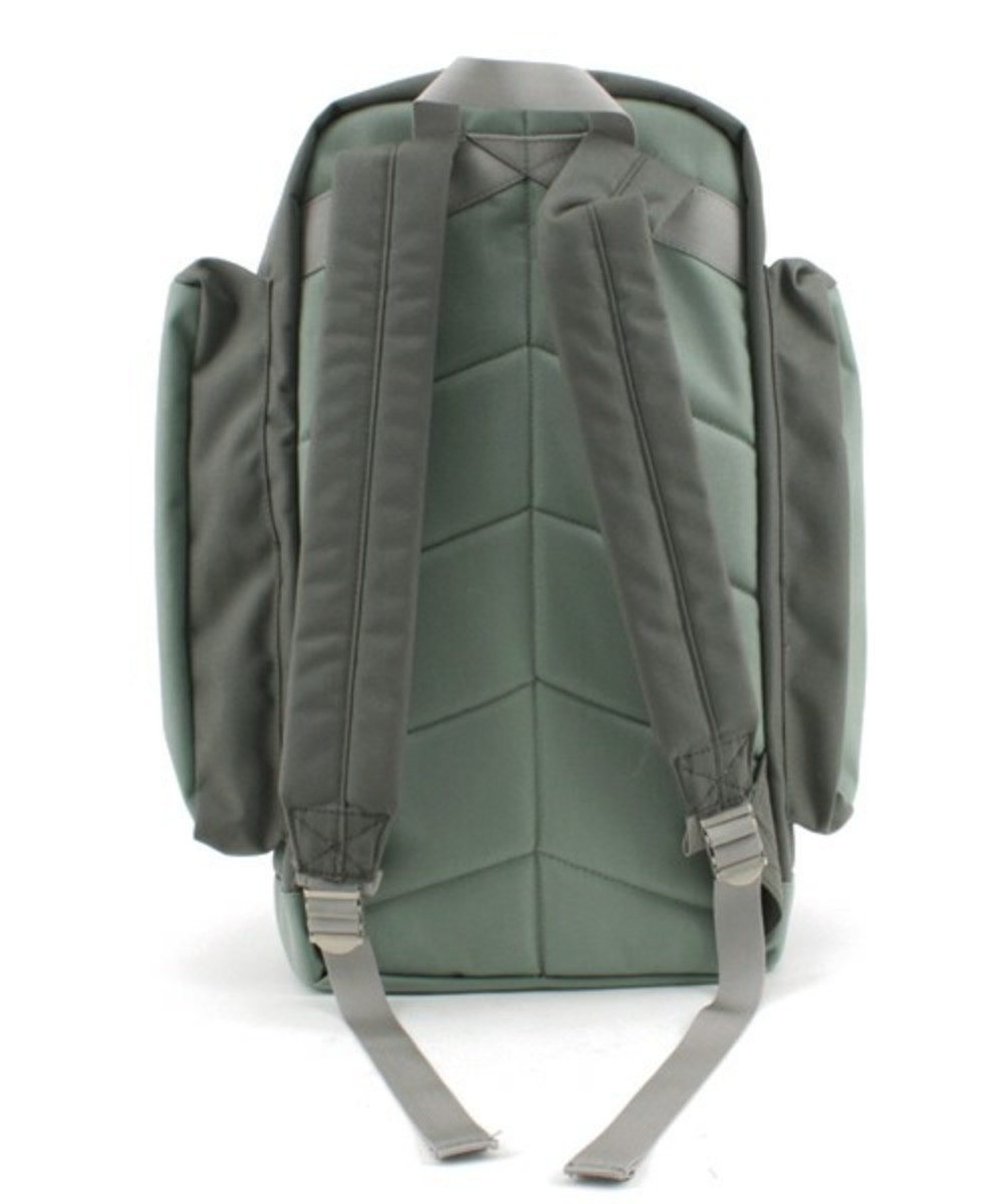 fresh-gear-backpack-gray-3