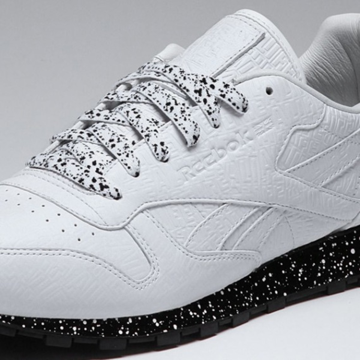 alife-reebok-classic-leather-lux-white-speck-04