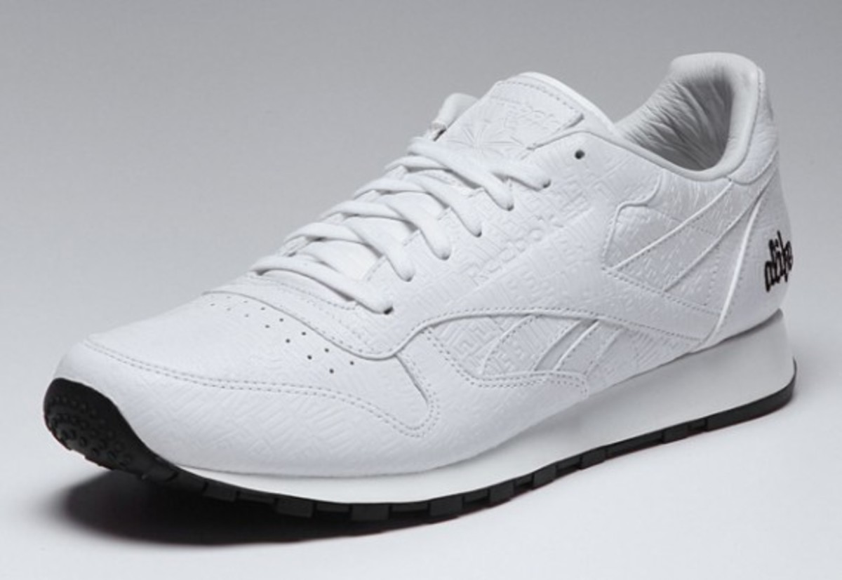 alife-reebok-classic-leather-lux-white-01