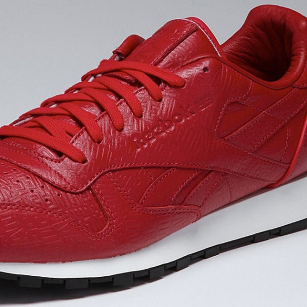 alife-reebok-classic-leather-lux-red-04