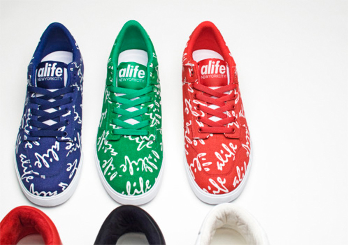alife-everyboady-low-cursive