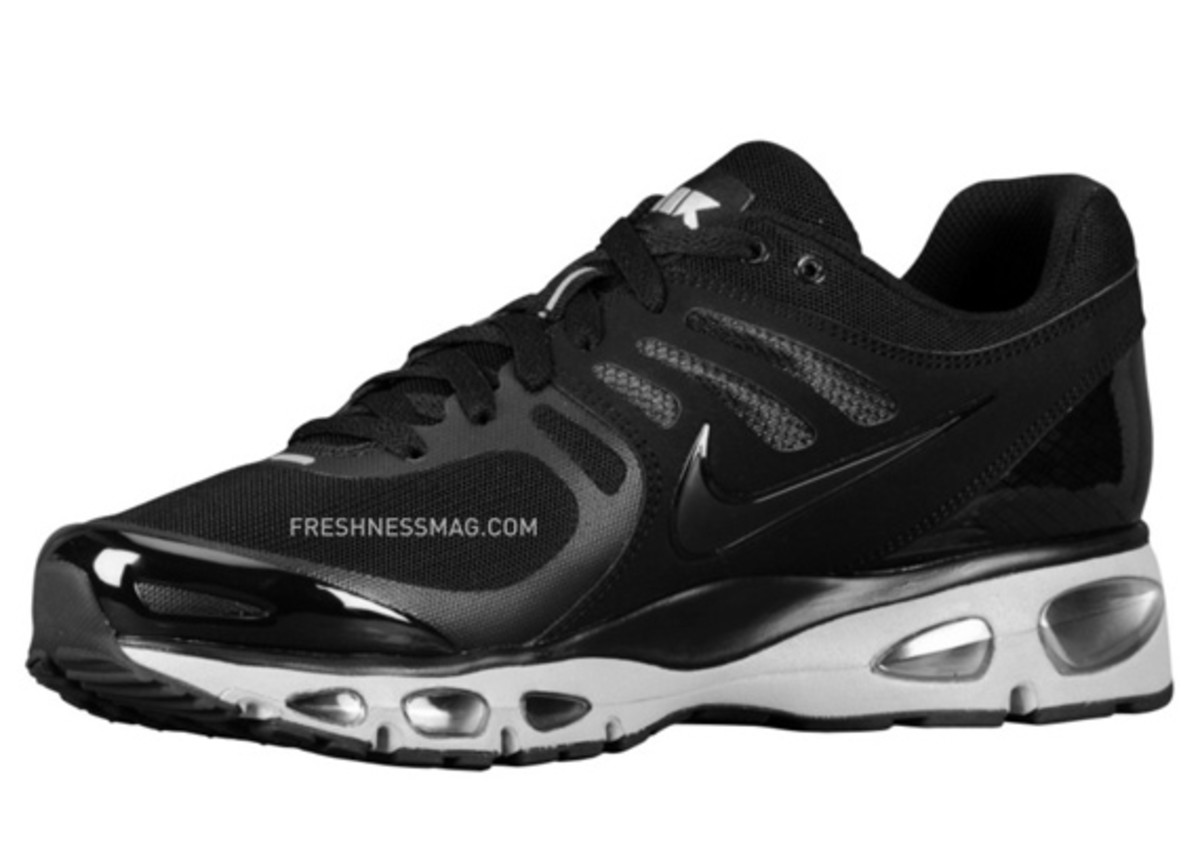 nike-air-max-tailwind-2010-air-attack-black-silver-2