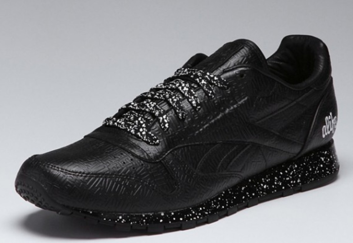 alife-reebok-classic-leather-lux-black-speck-01