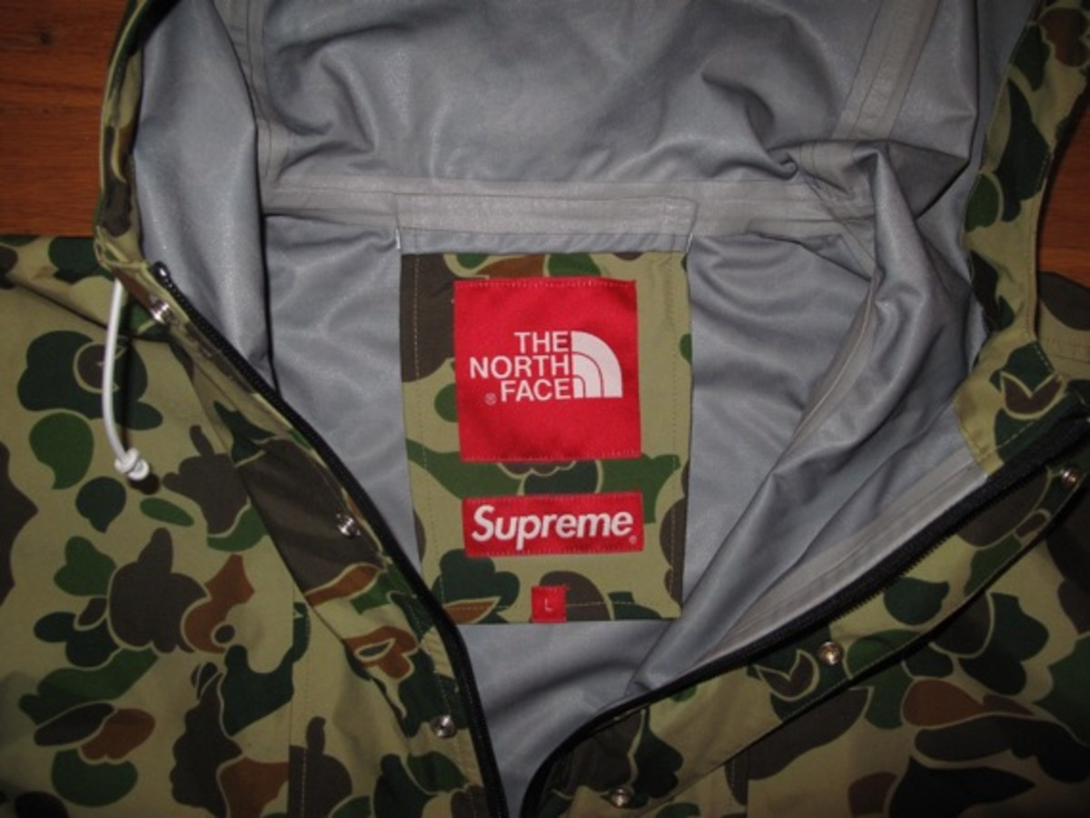 supreme-the-north-face-camouflage-pullover-02