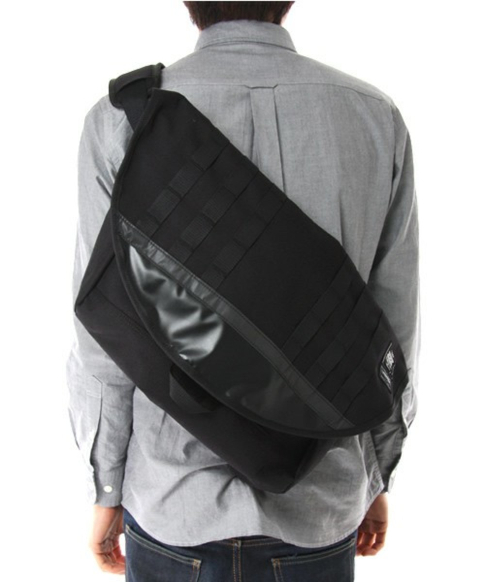 xxx-messenger-bag-black-8
