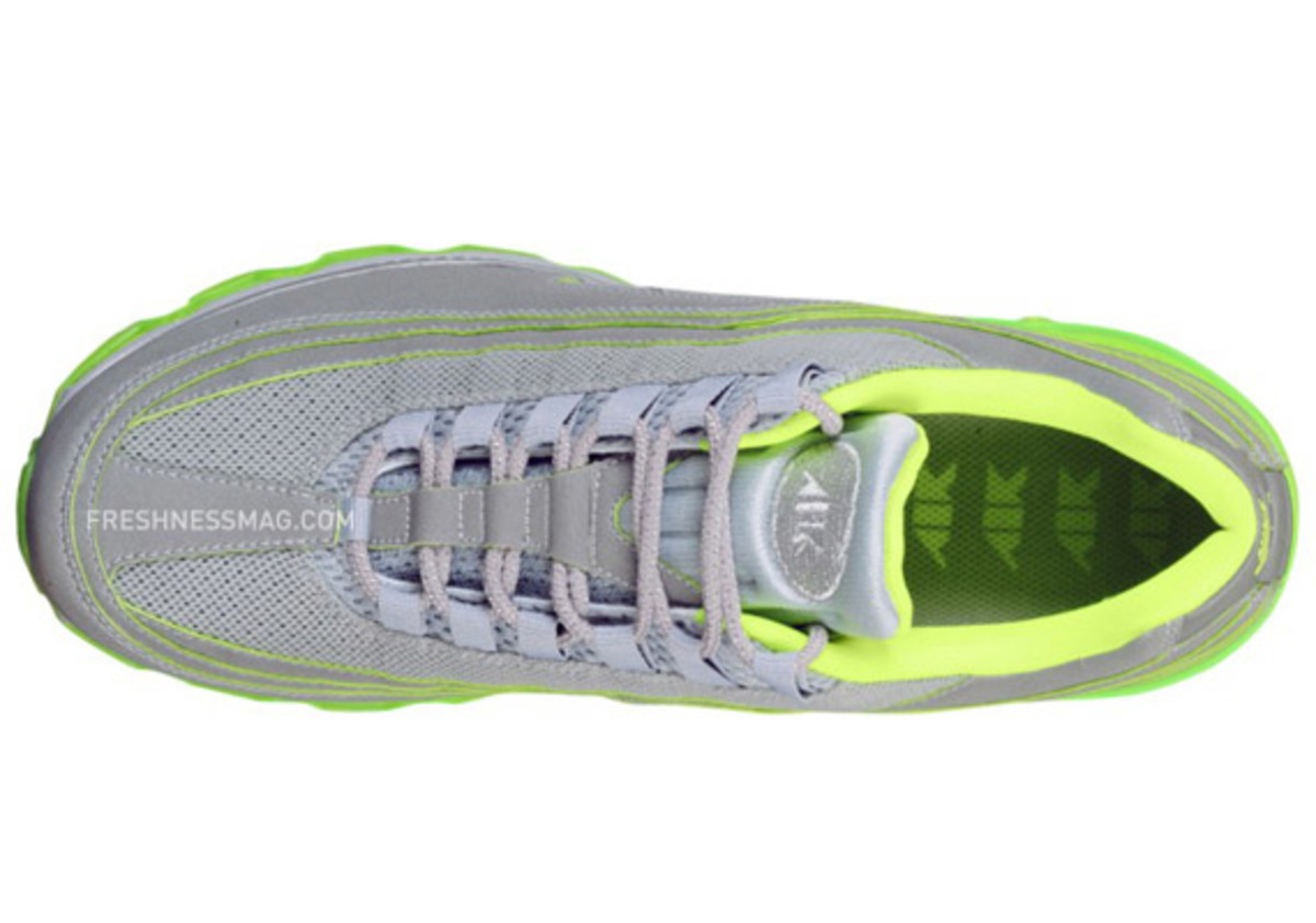 nike-air-max-24-7-air-attack-volt-03
