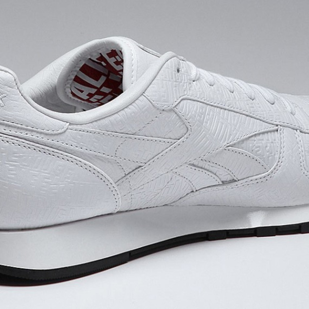 alife-reebok-classic-leather-lux-white-04
