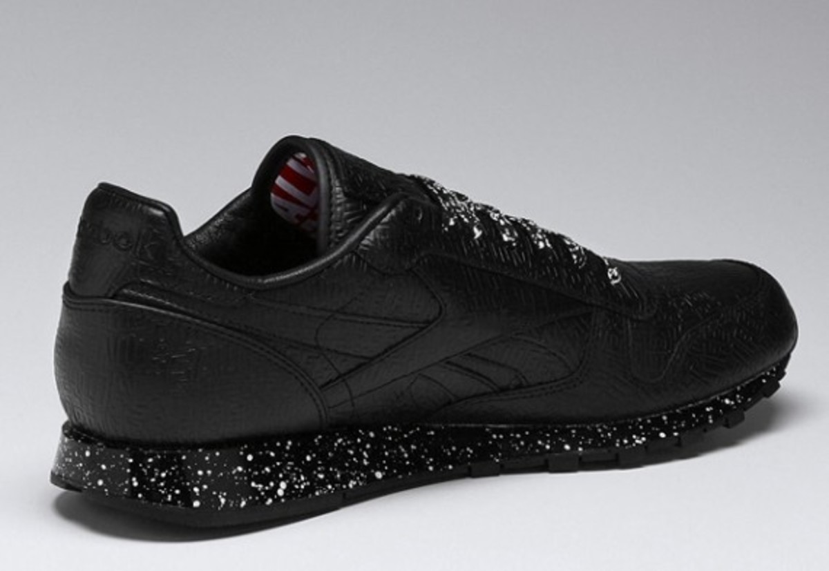 alife-reebok-classic-leather-lux-black-speck-02