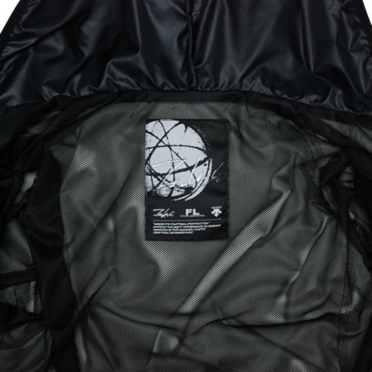 packable-jacket-black-7