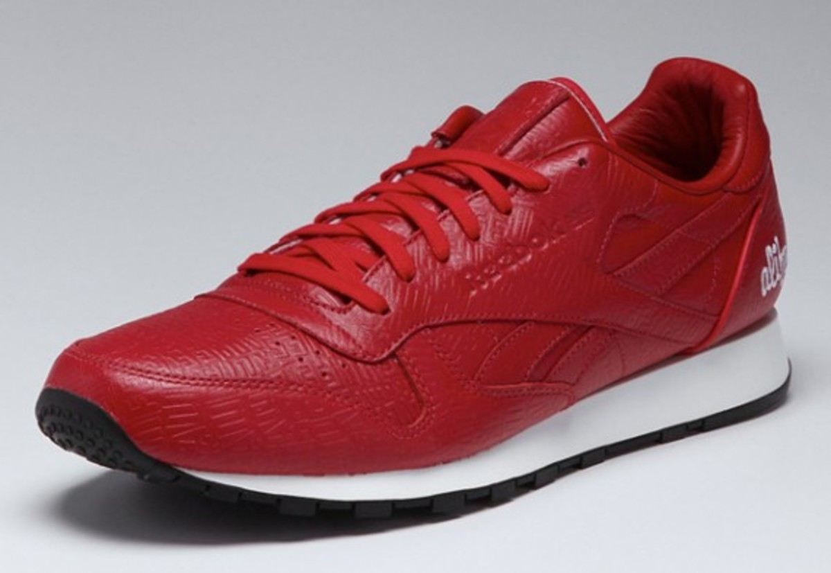 alife-reebok-classic-leather-lux-red-01