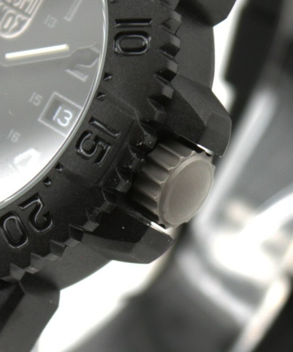 luminox-blackout-watch-03