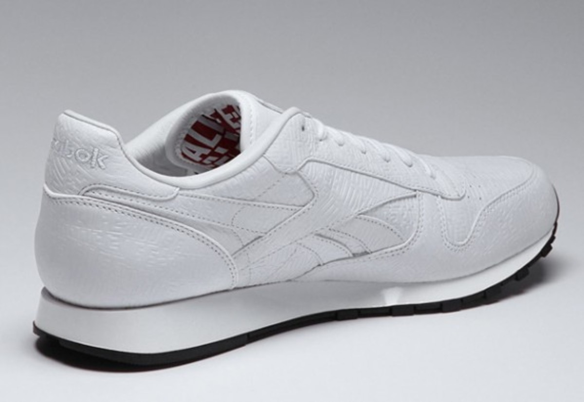 alife-reebok-classic-leather-lux-white-02