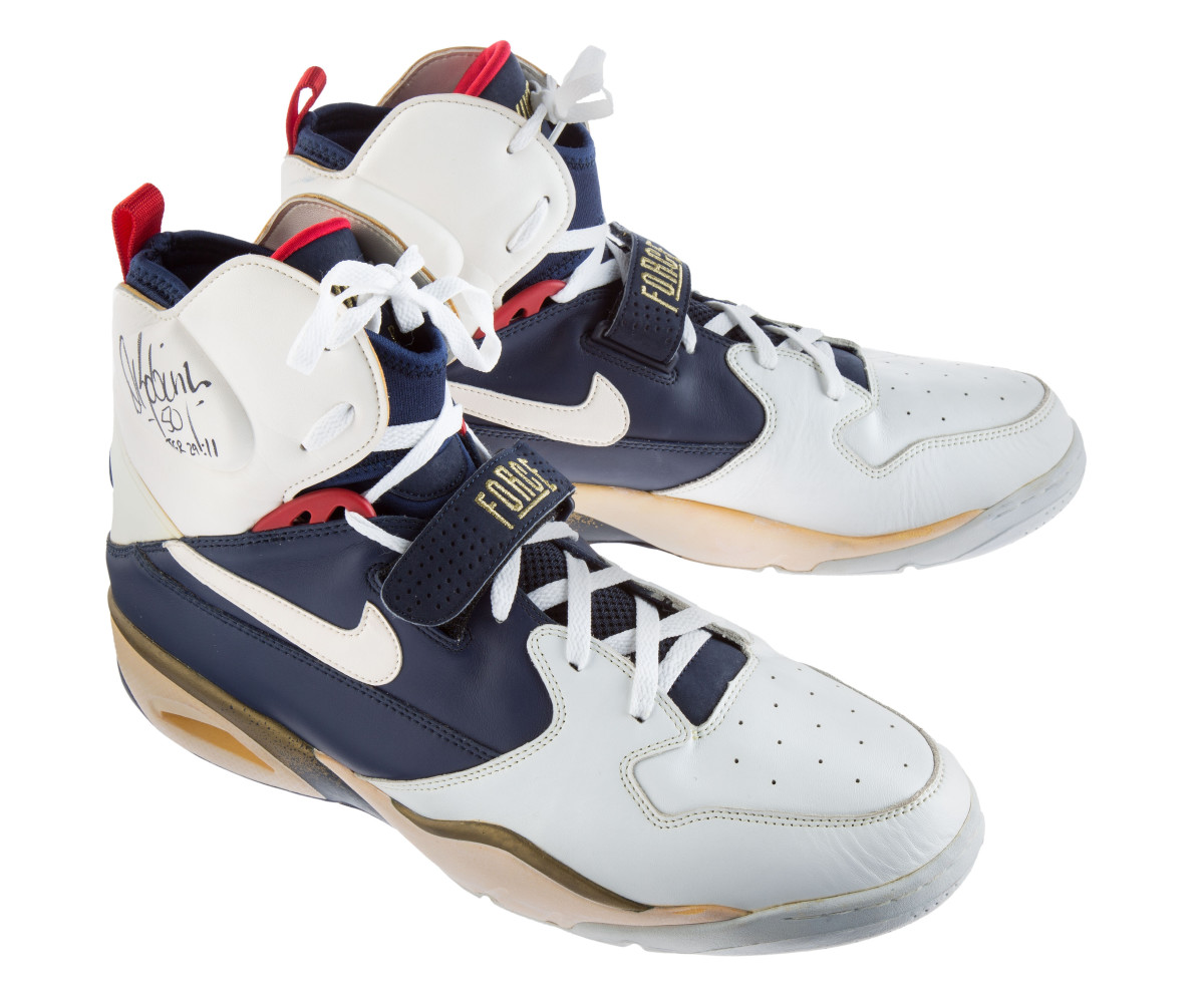 dream-team-sneakers-up-for-auction-10.jpg