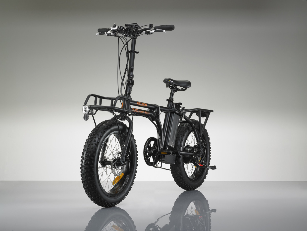 the radmini electric bike folds away for easy storage. Black Bedroom Furniture Sets. Home Design Ideas