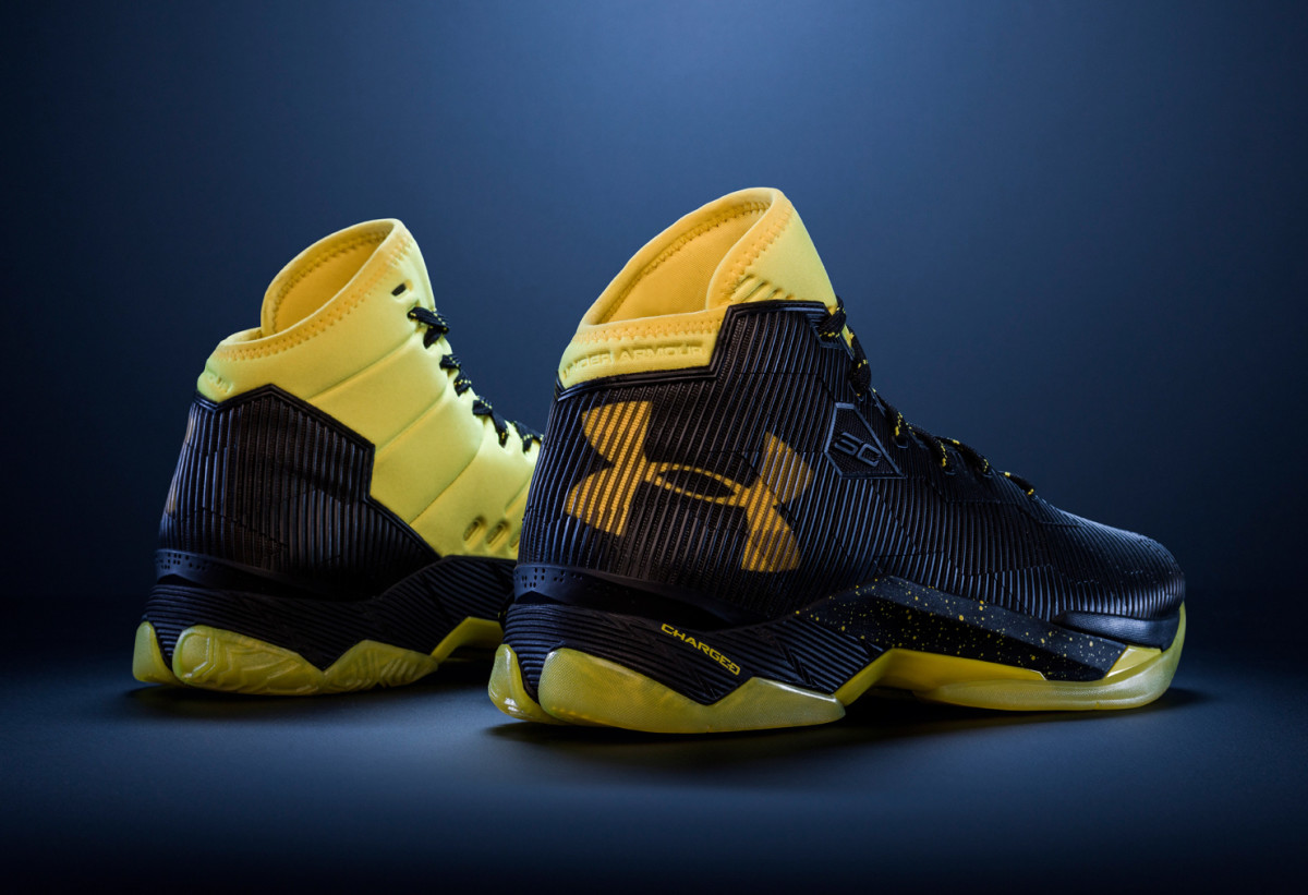 under-armour-curry-2-5-black-taxi-02.jpg