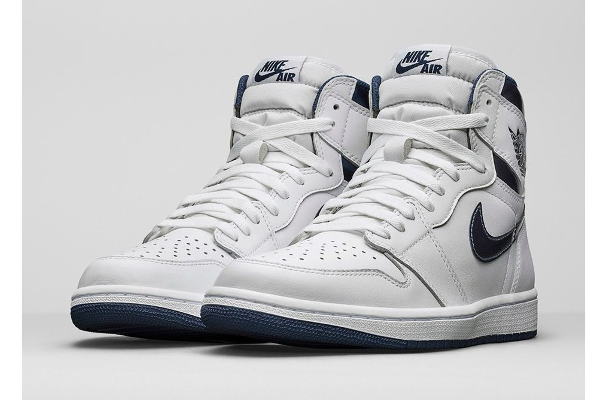 2042a50dcd01 This Air Jordan 1 Retro High OG Shines in