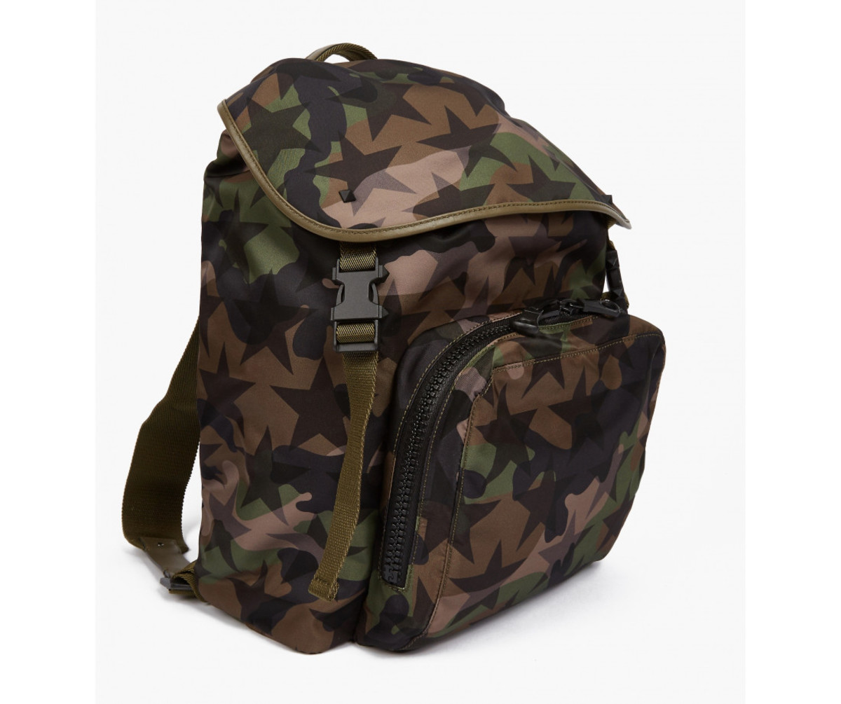 valentino-camustar-nylon-backpack-01.jpg