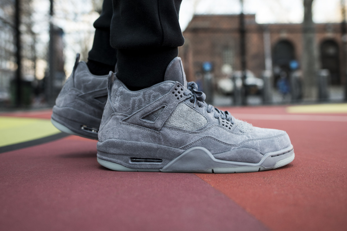 best loved c1632 137db An On-Foot Look at the KAWS x Air Jordan 4 Retro - Freshness Mag