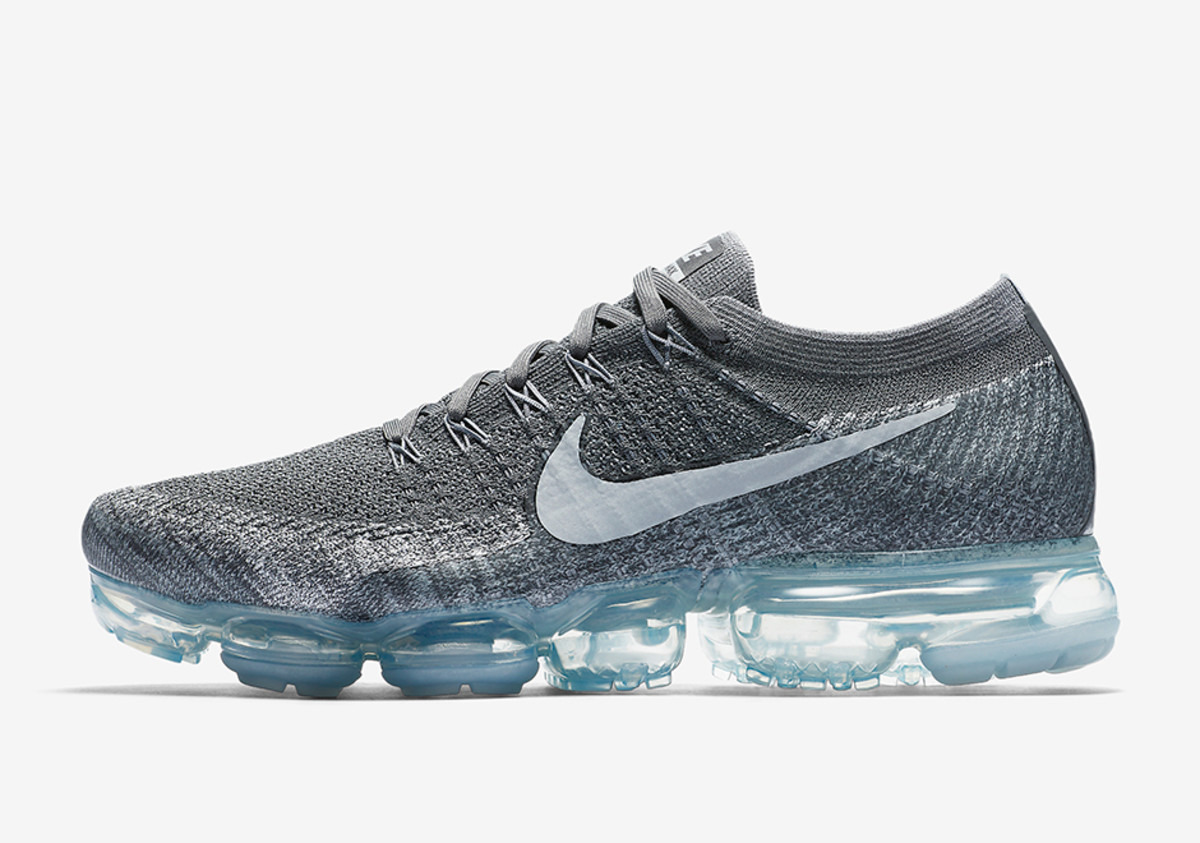 nike-air-vapormax-dark-grey-01