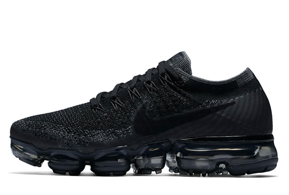 nike-air-vapormax-june-20-2017-launches-02