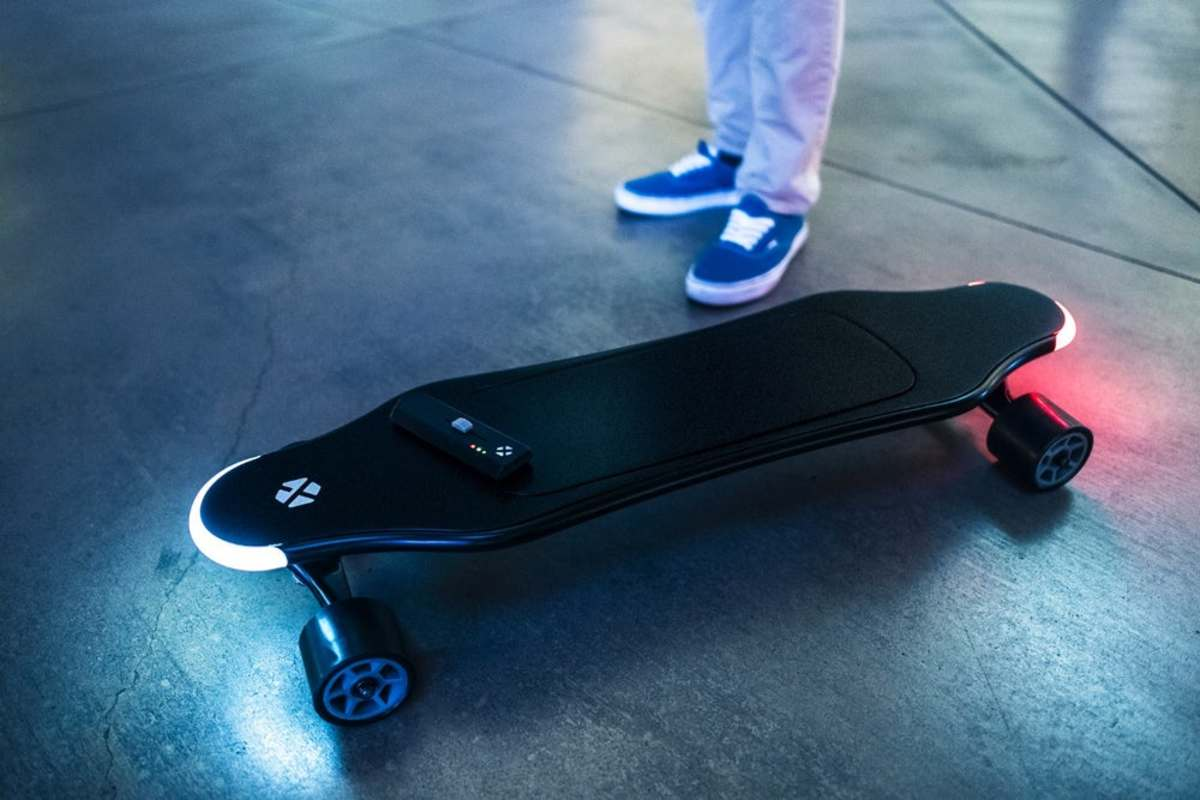Home Tech The Xtnd Is The World S First Smart Electric Skateboard