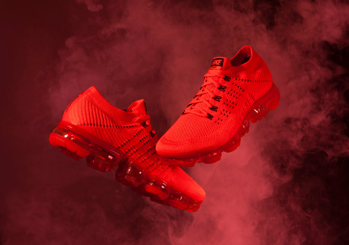 pretty nice c3823 96b35 CLOT Teams Up With NikeLab on a Striking All-Red Colorway of ...