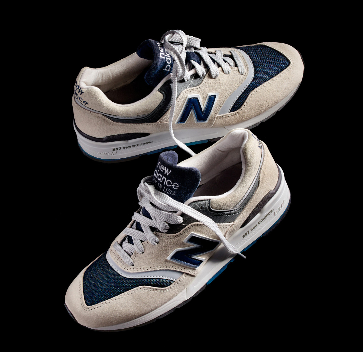 jcrew-new-balance-997-moonshot-02.jpg