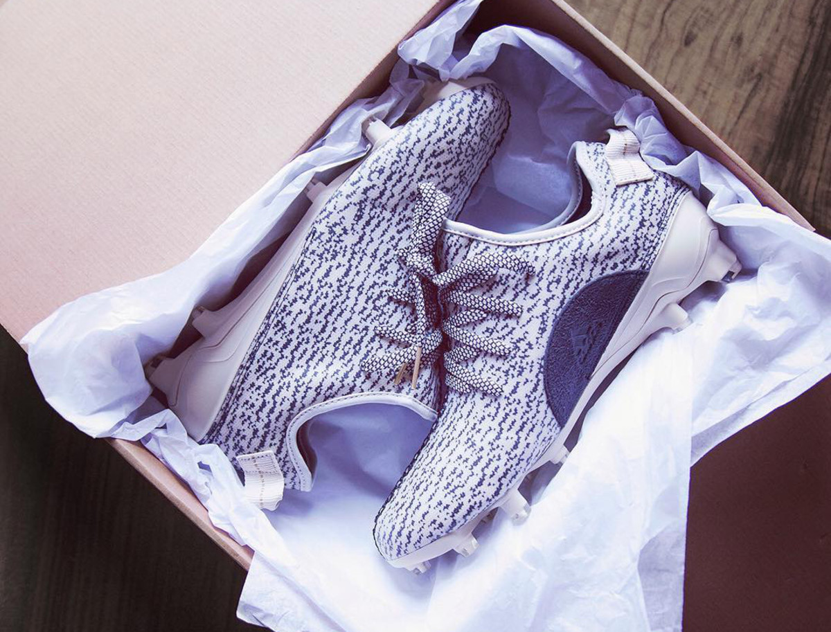 f04dbfd25ca DeAndre Hopkins Receives Custom Yeezy Boost 350 Cleats From adidas ...