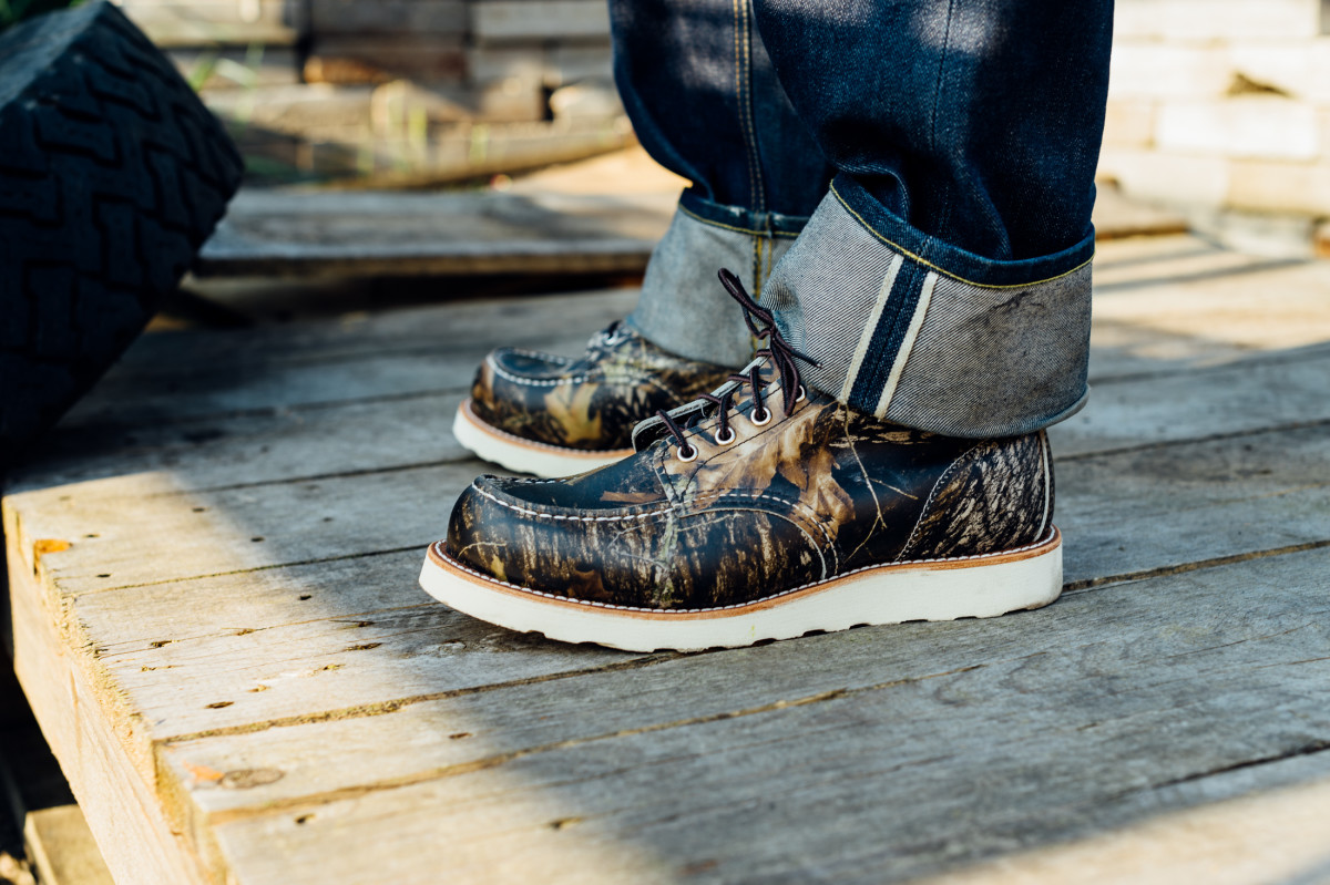 red-wing-8884-camo-moc-toe-boot-02.jpg