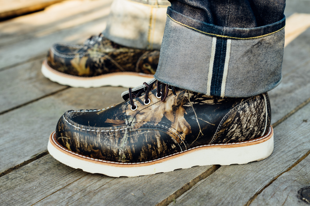 red-wing-8884-camo-moc-toe-boot-03.jpg