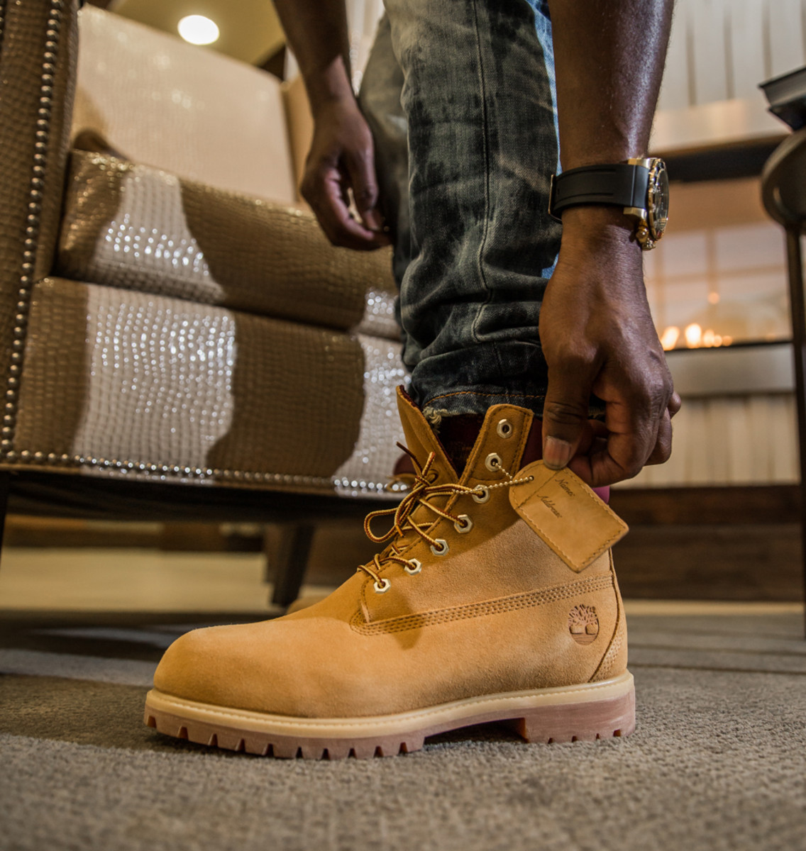 timberland-6-inch-boot-wheat-suede-dtlr-exclusive-02.jpg
