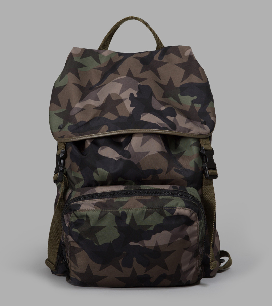 valentino-camouflage-star-backpack.jpg