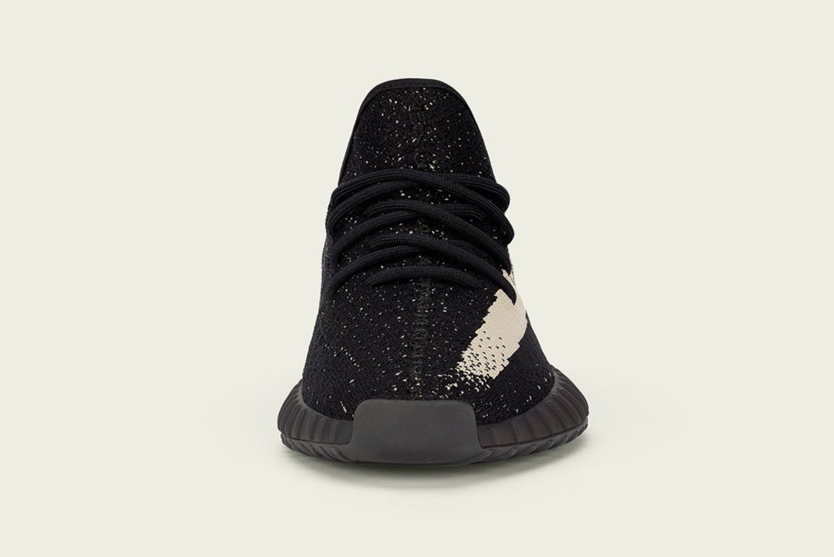 adidas-yeezy-boost-350-v2-core-black-core-white-02.jpg
