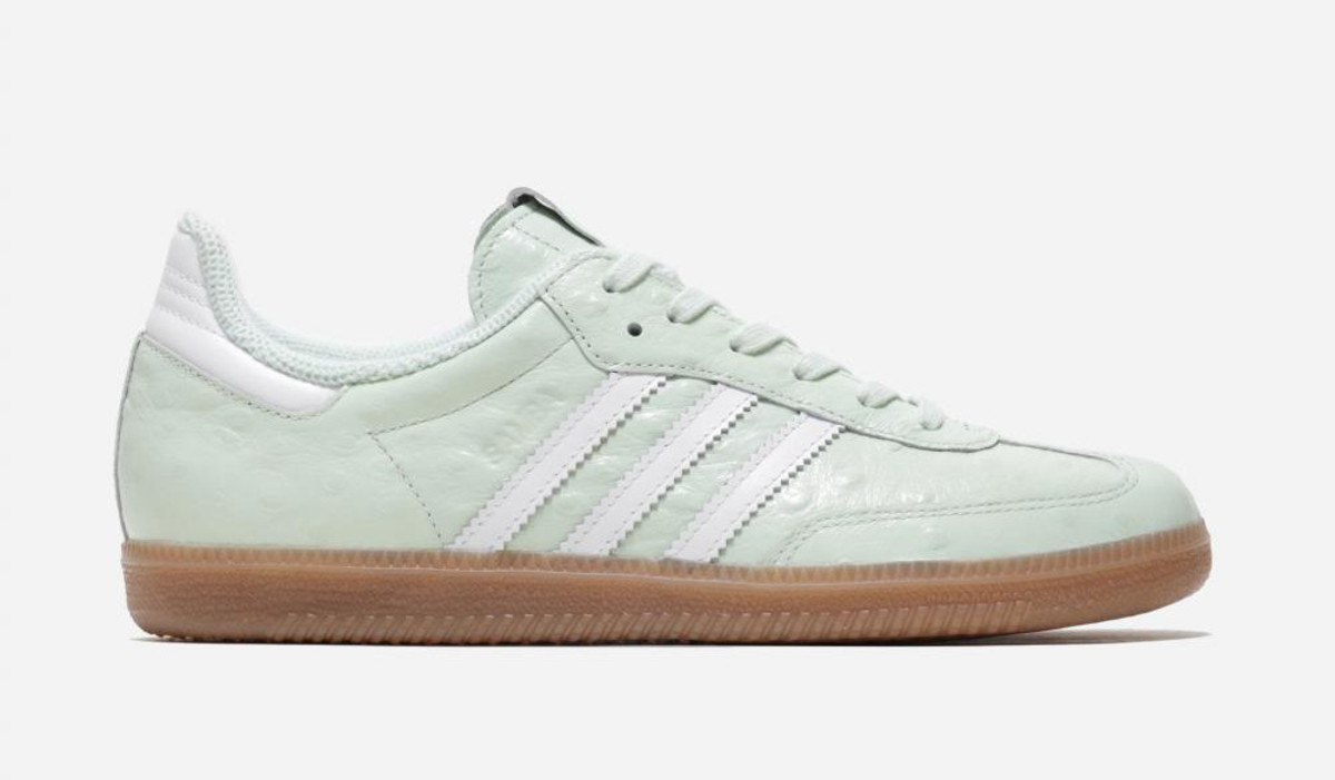 naked-adidas-consortium-waves-pack-01.jpg