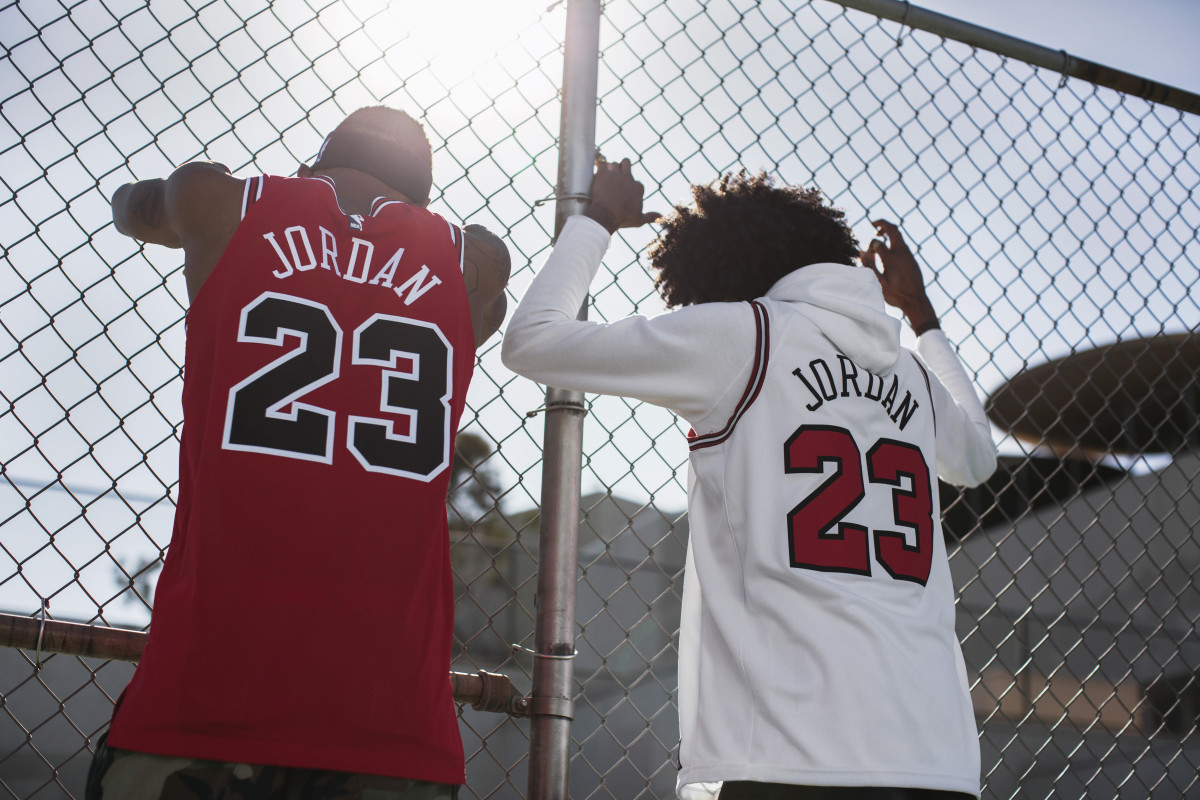 more photos cb79e 01940 Nike Salutes Michael Jordan With Retro Chicago Bulls Jerseys ...