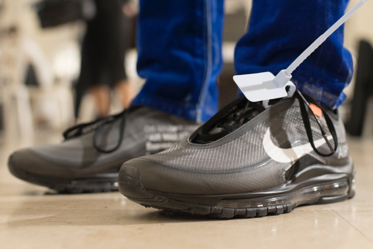 virgil-abloh-nike-air-max-97-paris-fashion-week-02