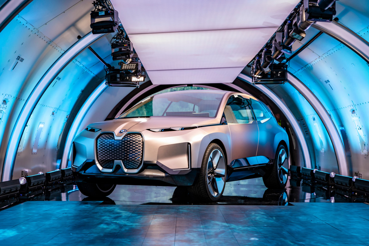 bmw-vision-inext-concept-car-00