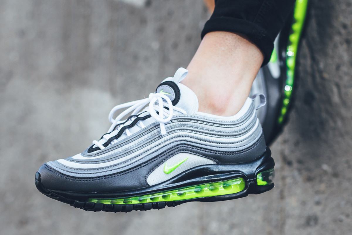 The From Max Its 97 An Scheme Air Iconic Borrows Nike Color vPmnwy0N8O