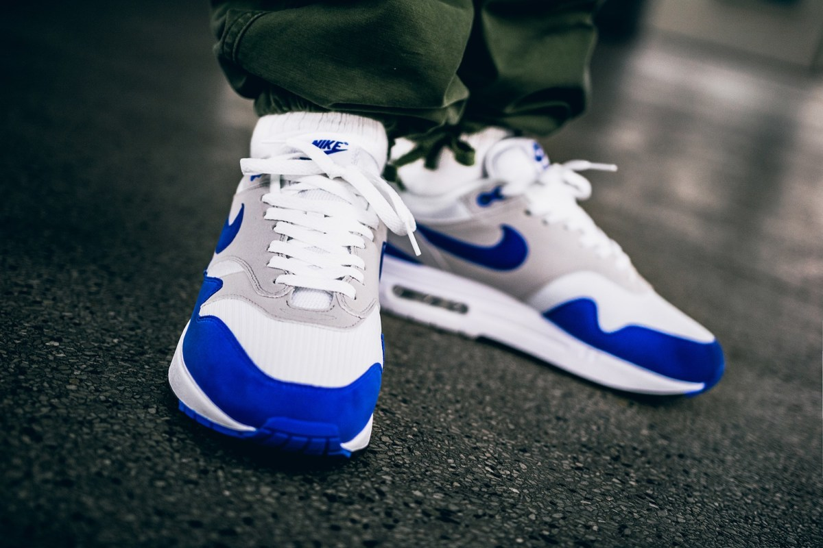 nike-air-max-1-anniversary-university-blue-02