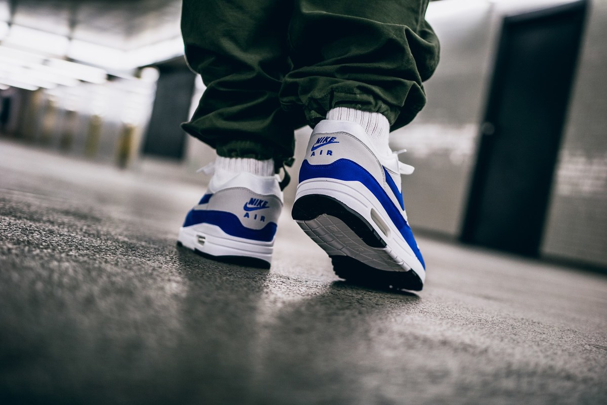 nike-air-max-1-anniversary-university-blue-03