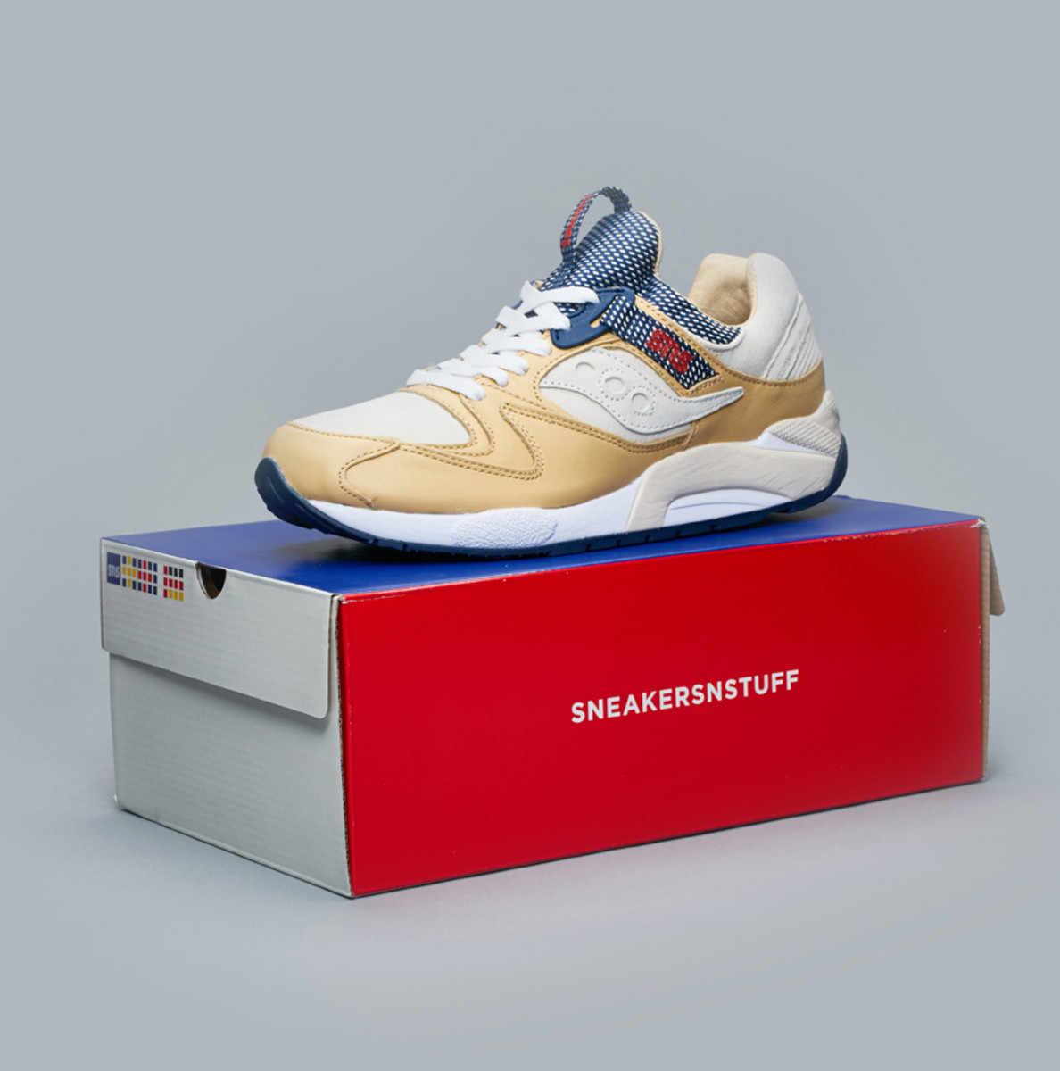 sneakersnstuff-saucony-grid-9000-business-class-04