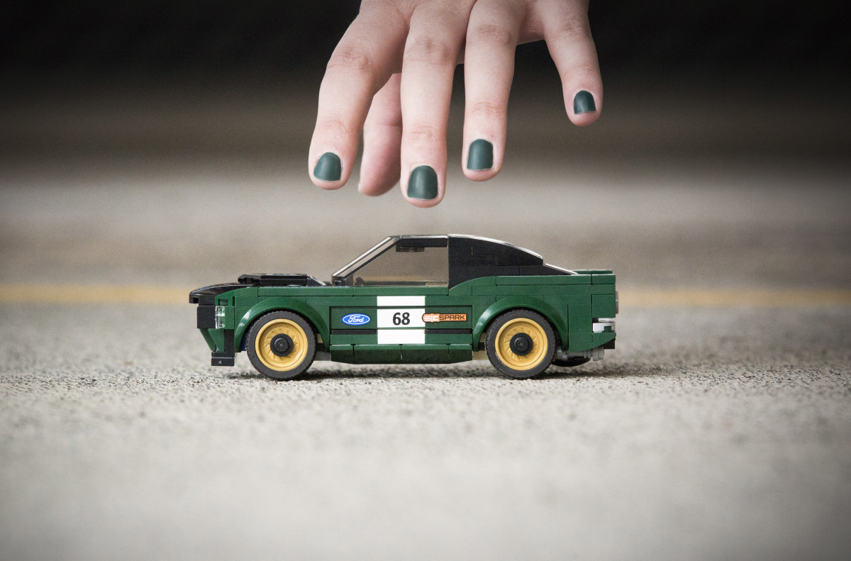 lego-1968-ford-mustang-fastback-03