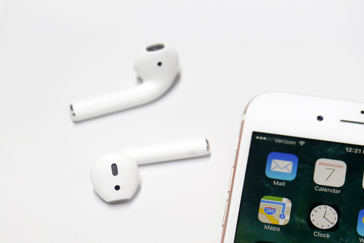 apple-airpods-update-2018