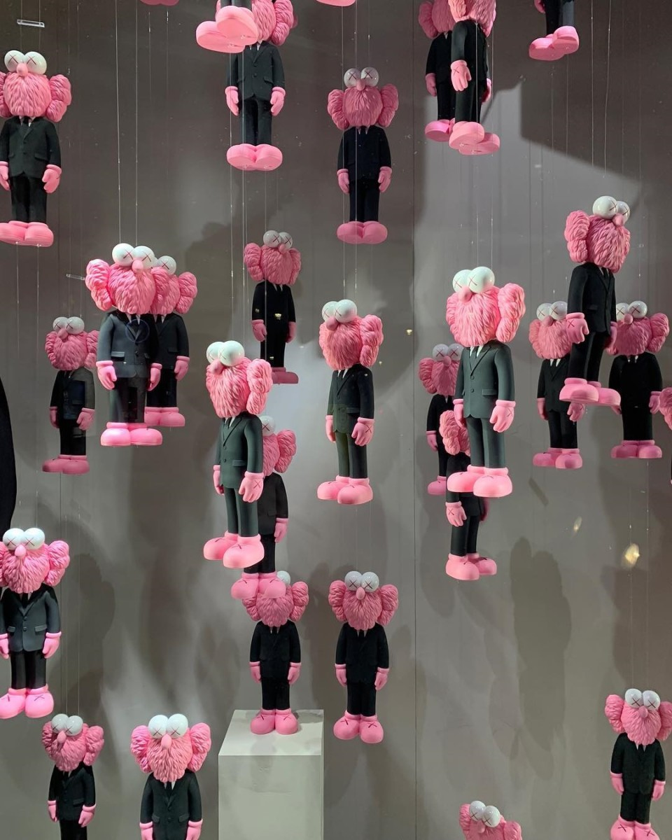 kaws-dior-pink-bff-store-release