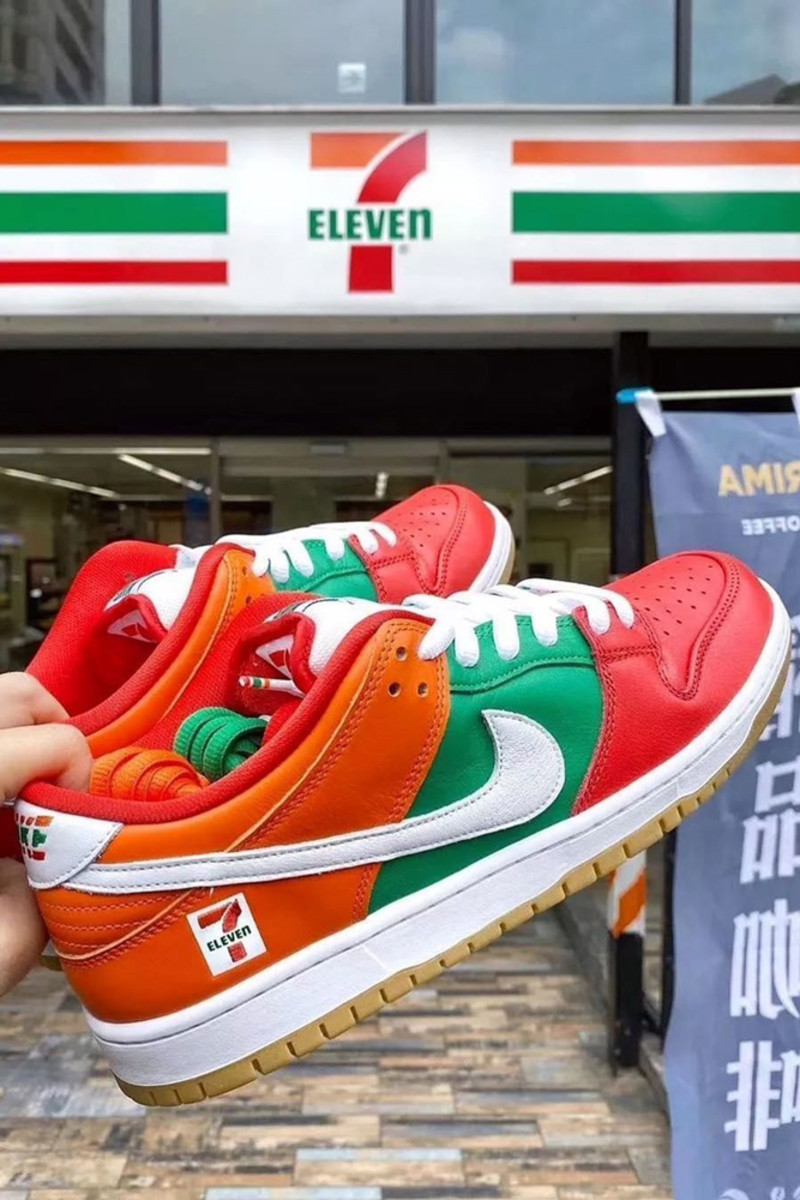 7-eleven-nike-sb-dunk-low-2